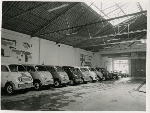MMH-083-Interior de los talleres Calvo en la carretera de Madrid_ca 1973 - Fot Flores