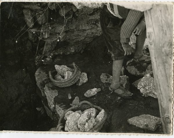 MMH-087-Obras en un pilar en el sifón del canal de aguas del Torcón_Septiembre de 1952