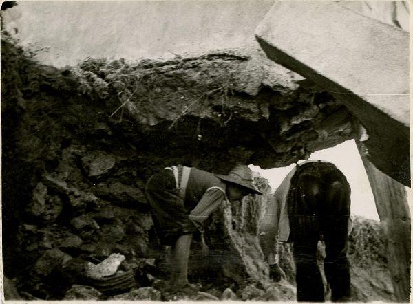 MMH-090-Obras en un pilar en el sifón del canal de aguas del Torcón_Septiembre de 1952