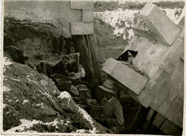 MMH-093-Obras en un pilar en el sifón del canal de aguas del Torcón_Septiembre de 1952