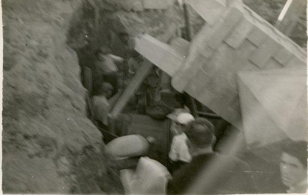 MMH-097-Obras en un pilar en el sifón del canal de aguas del Torcón_Septiembre de 1952