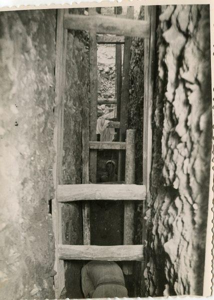 MMH-100-Obras en un pilar en el sifón del canal de aguas del Torcón_Septiembre de 1952 - Fot Flores