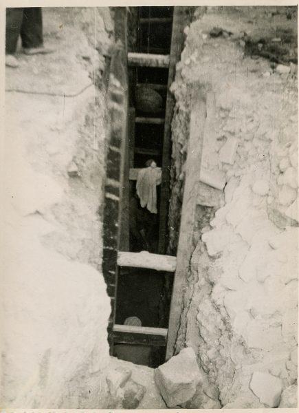 MMH-102-Obras en un pilar en el sifón del canal de aguas del Torcón_Septiembre de 1952 - Fot Flores