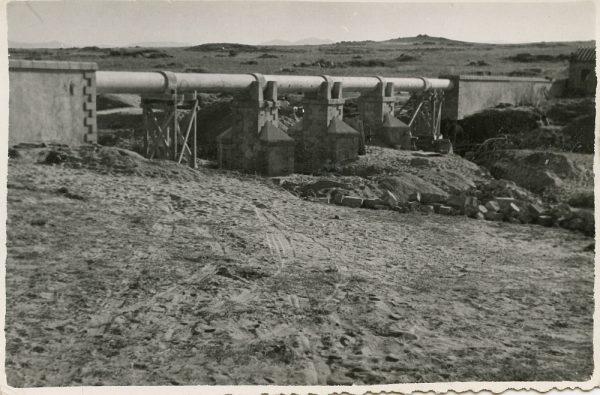 MMH-115-Obras en un pilar en el sifón del canal de aguas del Torcón_Septiembre de 1952