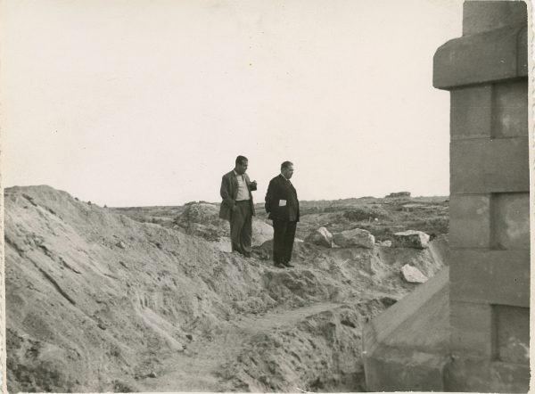 MMH-117-Obras en un pilar en el sifón del canal de aguas del Torcón_Septiembre de 1952