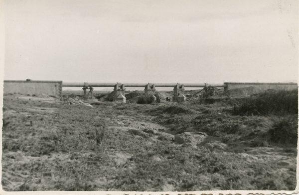 MMH-120-Obras en un pilar en el sifón del canal de aguas del Torcón_Septiembre de 1952