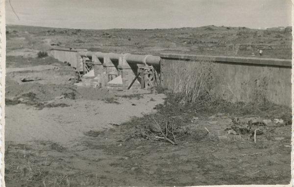 MMH-121-Obras en un pilar en el sifón del canal de aguas del Torcón_Septiembre de 1952