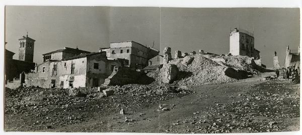 MMH-126-Obras de construcción del aparcamiento en la explanada del Alcázar, junto a San Miguel_ca 1950