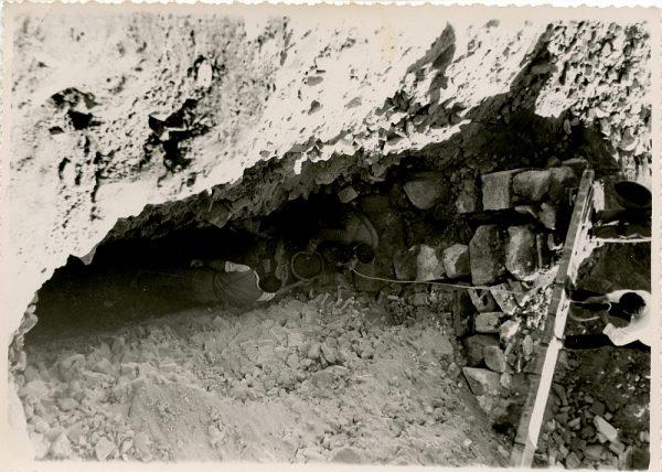 MMH-137-Obras de construcción del aparcamiento en la explanada del Alcázar, junto a San Miguel_ca 1954 - Fot Celestino