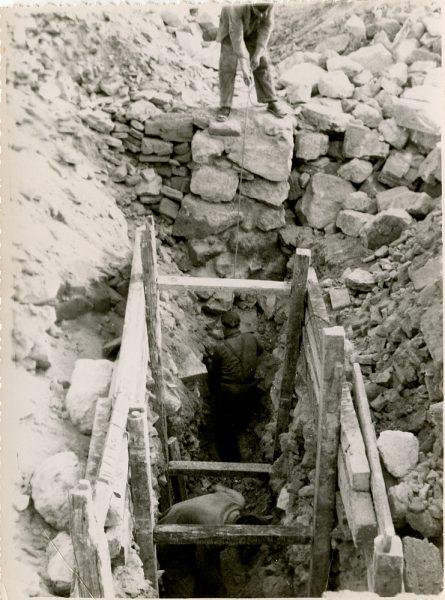 MMH-139-Obras de construcción del aparcamiento en la explanada del Alcázar, junto a San Miguel_ca 1954 - Fot Celestino
