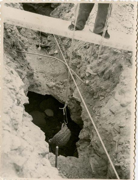 MMH-141-Obras de construcción del aparcamiento en la explanada del Alcázar, junto a San Miguel_ca 1954 - Fot Celestino