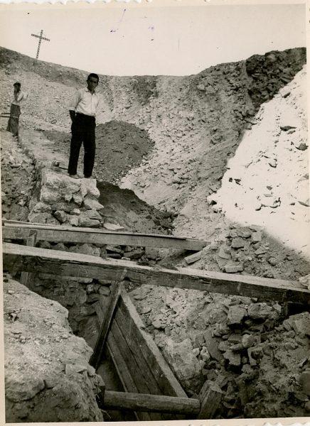 MMH-147-Obras de construcción del aparcamiento en la explanada del Alcázar, junto a San Miguel_ca 1954 - Fot Flores