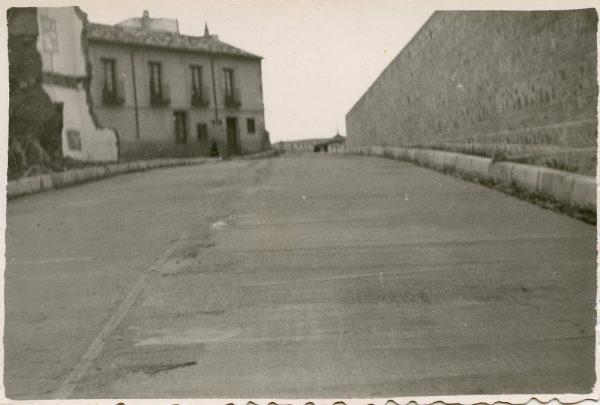 MMH-151-Urbanización de la cuesta de Capuchinos_ca 1955
