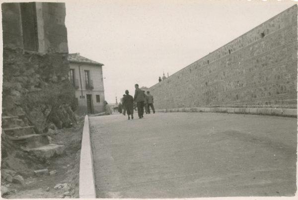 MMH-152-Urbanización de la cuesta de Capuchinos_ca 1955