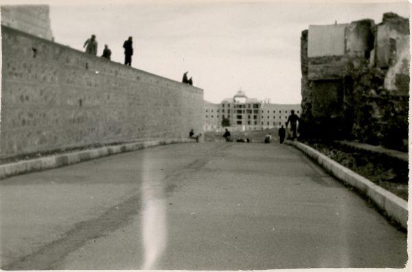 MMH-156-Urbanización de la cuesta de Capuchinos_ca 1955