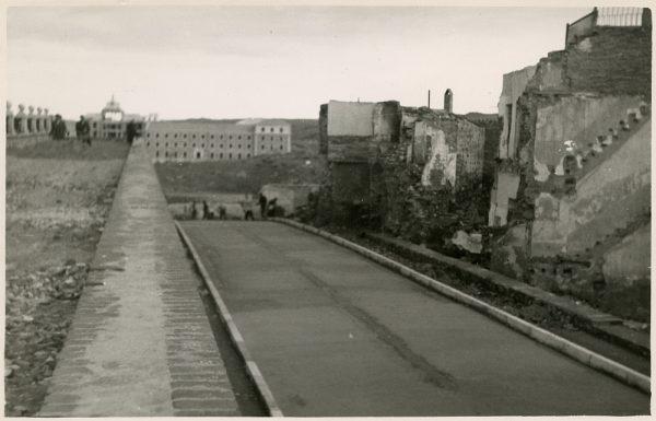 MMH-158-Urbanización de la cuesta de Capuchinos_ca 1955