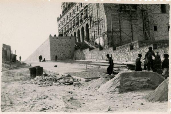 MMH-160-Urbanización de la cuesta de Capuchinos_ca 1955
