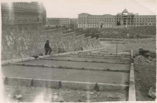 MMH-162-Urbanización de la cuesta de Capuchinos_ca 1955