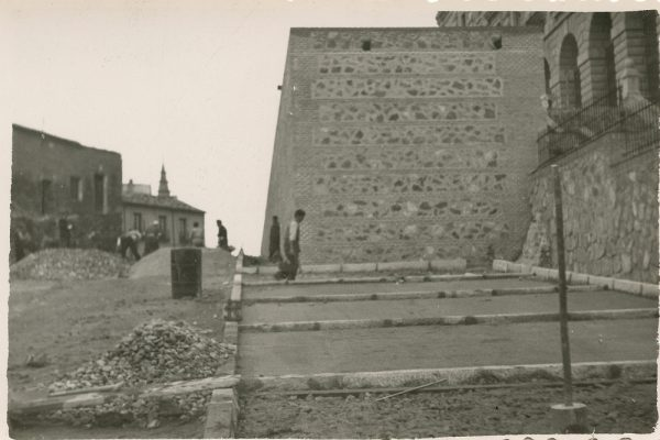 MMH-164-Urbanización de la cuesta de Capuchinos_ca 1955