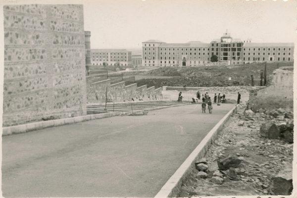 MMH-170-Urbanización de la cuesta de Capuchinos_ca 1955