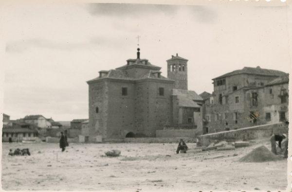 MMH-174-Urbanización de la cuesta de Capuchinos y Corralillo de San Miguel_ca 1955