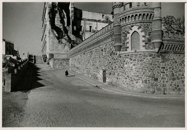 MMH-177-Entorno este del Alcázar_ca 1960