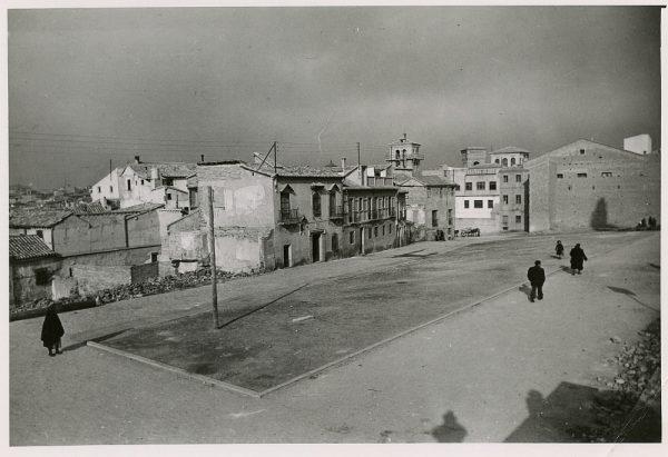 MMH-181-Entorno oeste del Alcázar_calle Horno de los Bizcochos_ca 1955