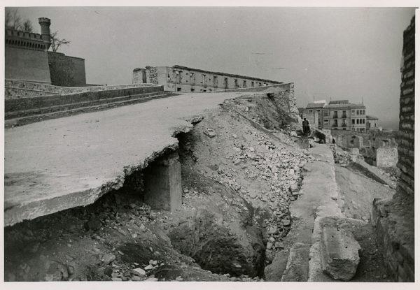MMH-182-Entorno sudeste del Alcázar_ca 1960