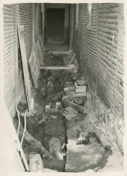 MMH-188-Obras de urbanización en un callejón de Nuncio Viejo_1959 - Fot Celestino
