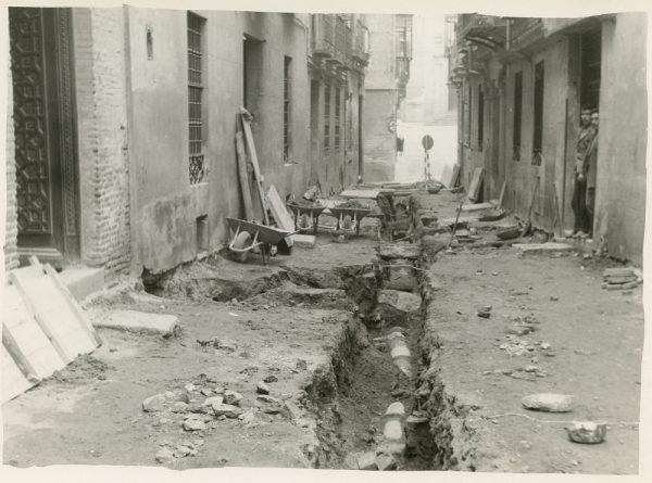MMH-196-Obras de urbanización en la calle Jardines_1959 - Fot Celestino