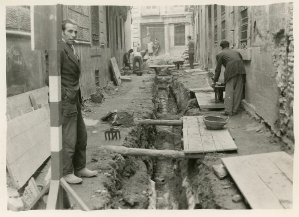 MMH-197-Obras de urbanización en la calle Jardines_1959 - Fot Celestino