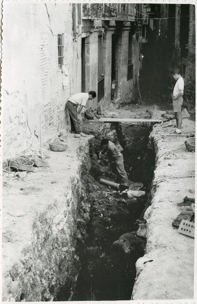 MMH-210-Obras de urbanización en la calle Tendillas_1959 - Fot Flores