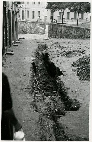 MMH-218-Obras de urbanización en la calle Tendillas_1959 - Fot Flores