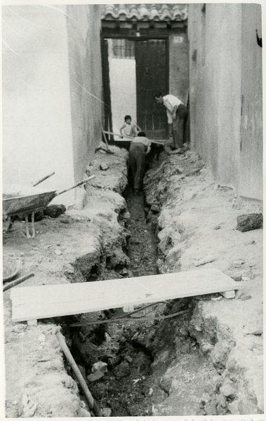 MMH-231-Obras de urbanización en la calle y plaza Buzones_1959 - Fot Flores