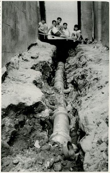 MMH-232-Obras de urbanización en la calle y plaza Buzones_1959 - Fot Flores