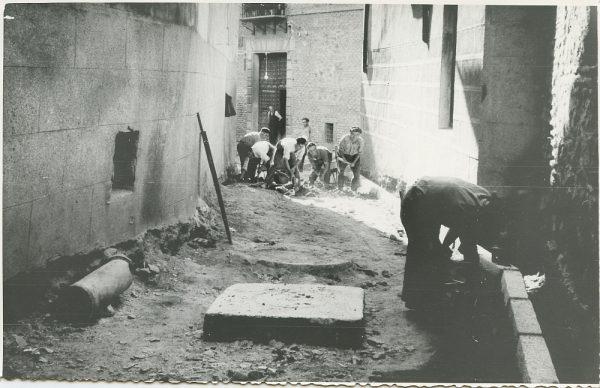 MMH-234-Obras de urbanización en la calle y plaza Buzones_1959 - Fot Flores
