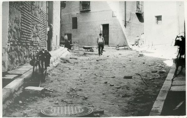 MMH-236-Obras de urbanización en la calle y plaza Buzones_1959 - Fot Flores