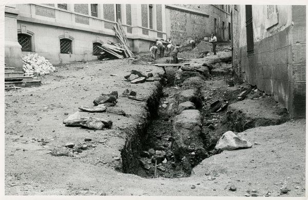 MMH-238-Obras de urbanización en la plaza de la Merced_1959 - Fot Flores