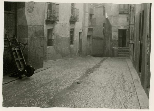 MMH-274-Obras de urbanización en el callejón de San Ginés_1960 - Fot Celestino