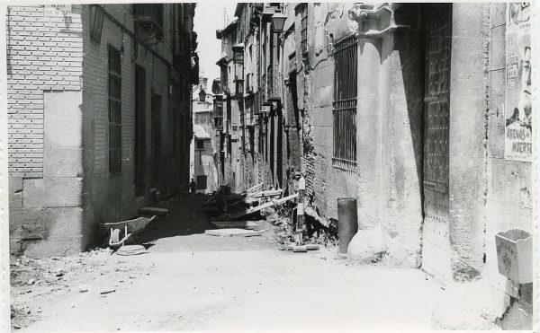 MMH-285-Obras de urbanización en la calle de Núñez de Arce_1960 - Fot Flores
