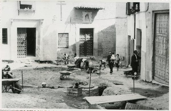MMH-288-Obras de urbanización en la calle de Núñez de Arce_1960 - Fot Flores