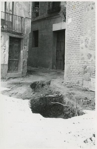 MMH-290-Obras de urbanización en la calle de Núñez de Arce_1960 - Fot Flores