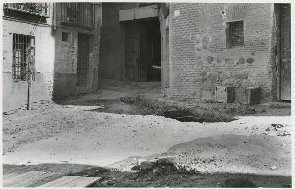 MMH-291-Obras de urbanización en la calle de Núñez de Arce_1960 - Fot Flores