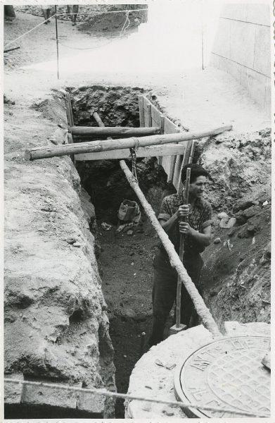 MMH-294-Obras de urbanización en la calle de Núñez de Arce_1960 - Fot Flores