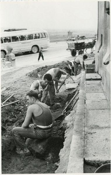 MMH-297-Obras de urbanización en la calle de Núñez de Arce_1960 - Fot Flores