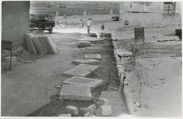 MMH-301-Obras de urbanización en la calle de Núñez de Arce_1960 - Fot Flores
