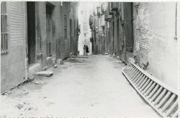 MMH-304-Obras de urbanización en la calle de Núñez de Arce_1960 - Fot Flores