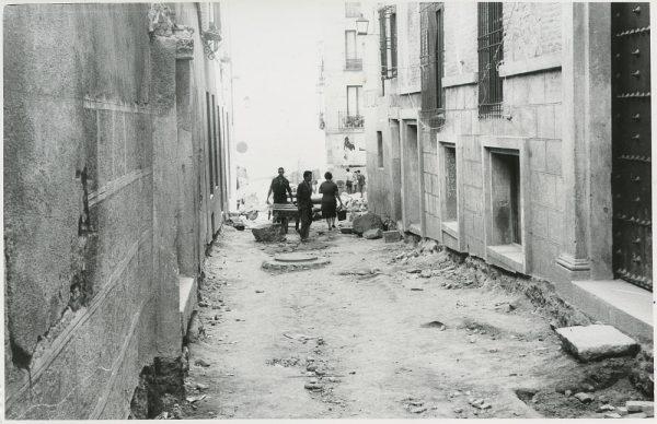 MMH-305-Obras de urbanización en la calle de Núñez de Arce_1960 - Fot Flores