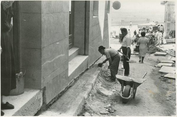 MMH-306-Obras de urbanización en la calle de Núñez de Arce_1960 - Fot Flores