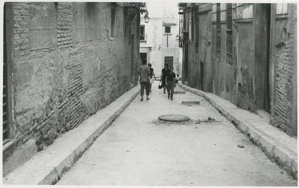 MMH-308-Obras de urbanización en la calle de Núñez de Arce_1960 - Fot Flores